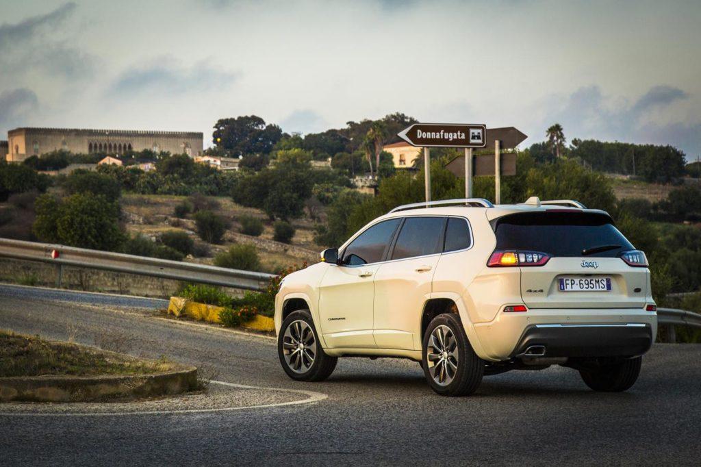 2019-jeep-cherokee-overland