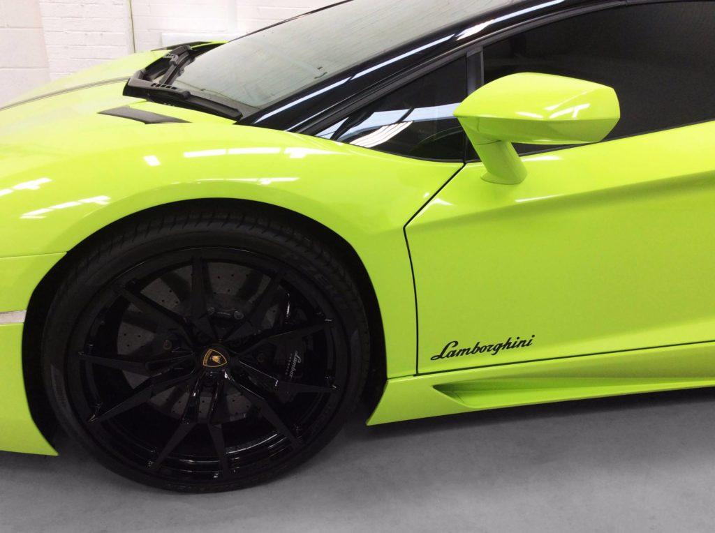 Lamborghini Aventador Avery Dennison Gloss Lime Green