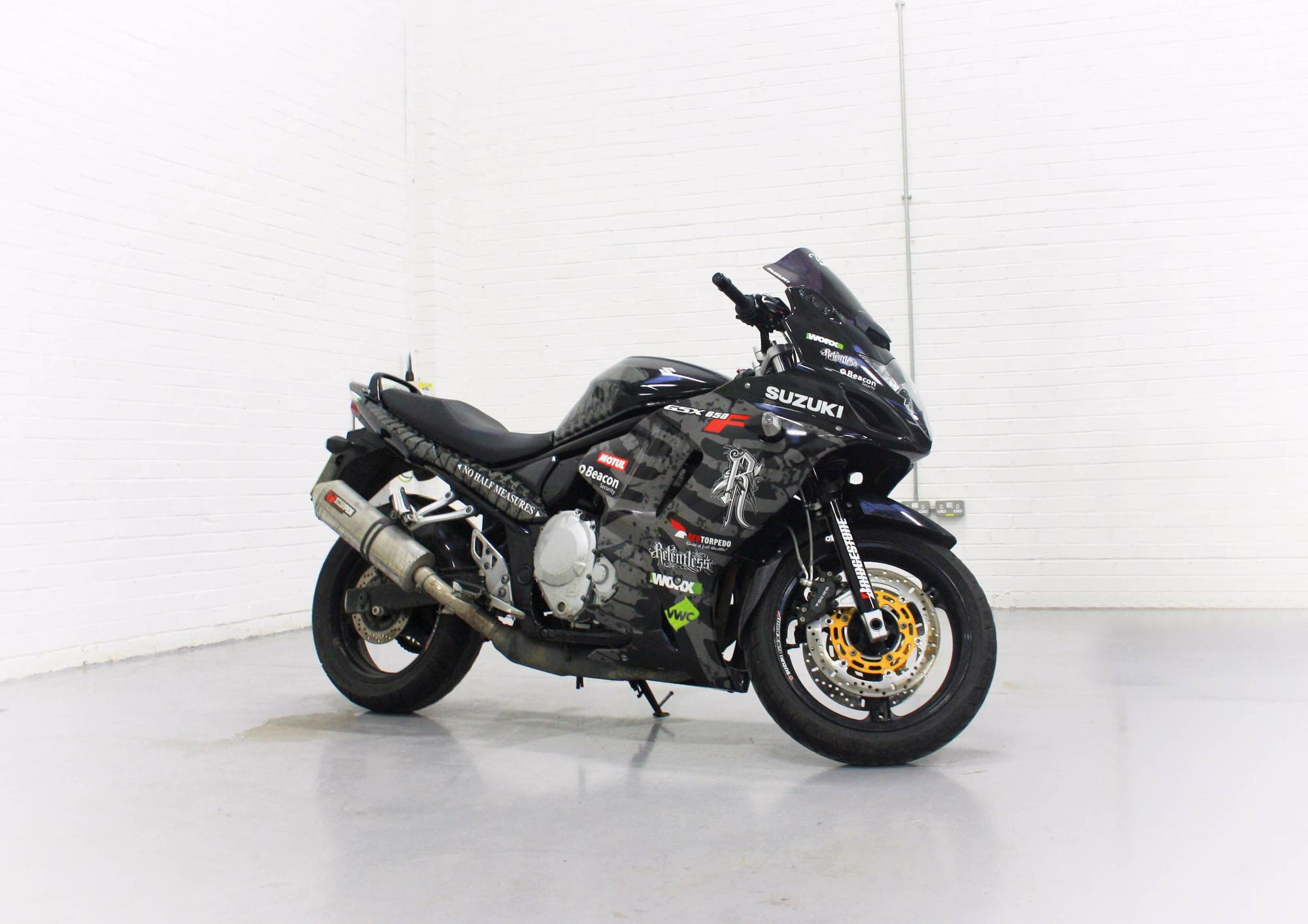 suzuki gsx 650f relentless design 3m ij180 personal vehicle wrap project. Black Bedroom Furniture Sets. Home Design Ideas