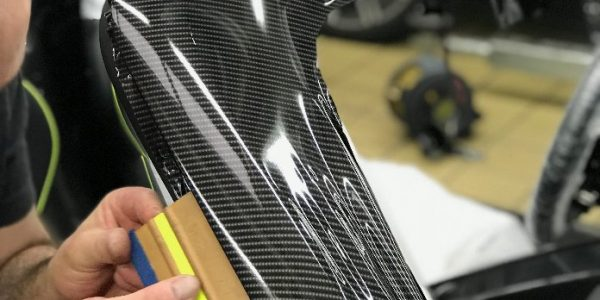 Porsche window frame carbon fibre gloss process