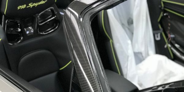 Picture of Porsche Sypder window frame in gloss with seats