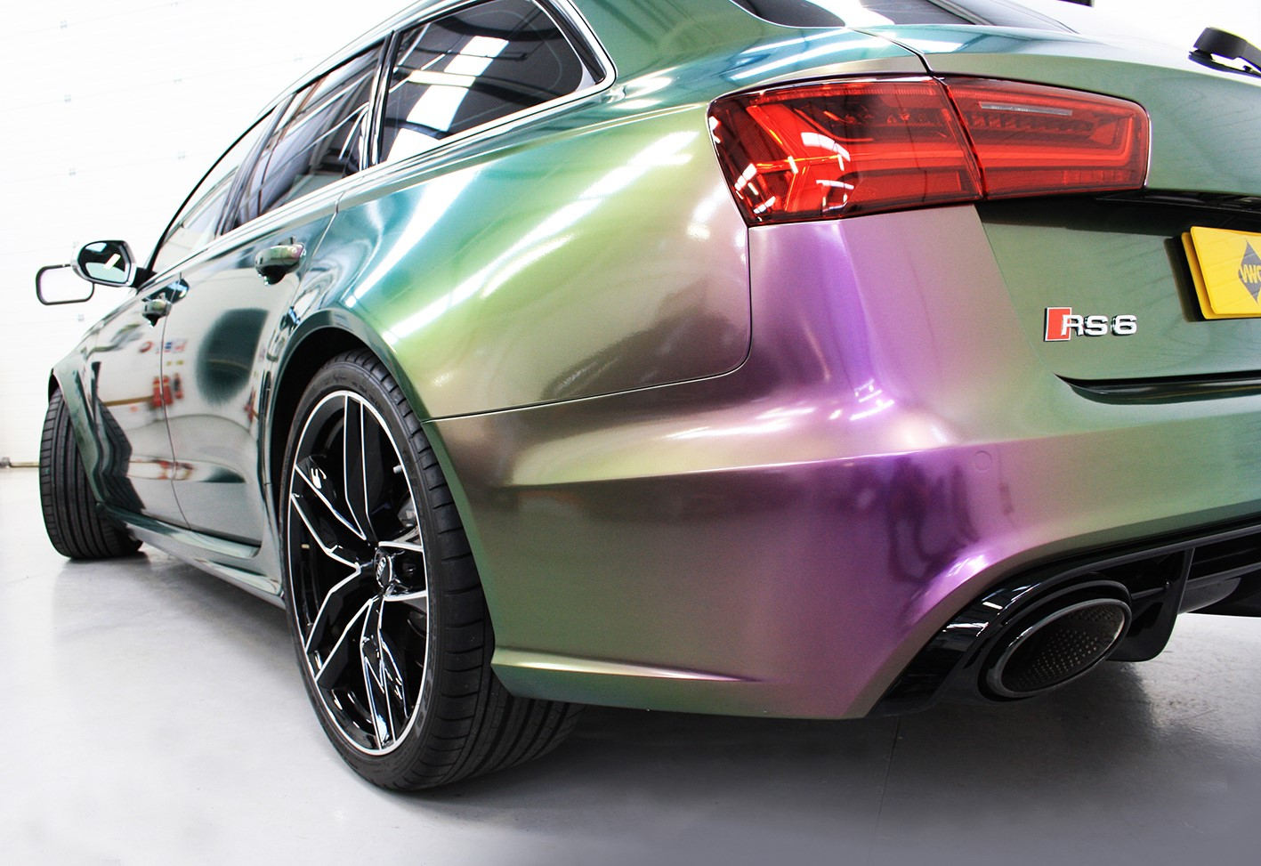 transform-the-car-with-a-car-wrap